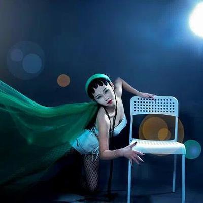 钢管舞徐小姐。了解一下?